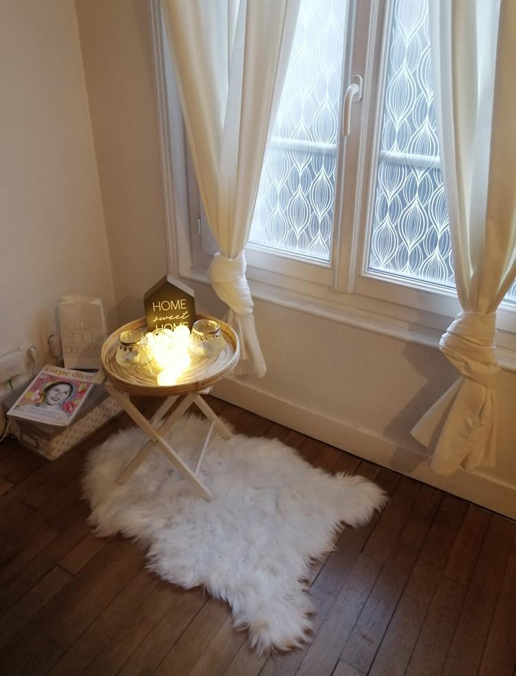 Sandras Wohnung ist gemütlich eingerichtet