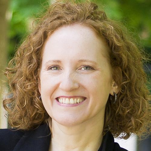 Claudia Eggerth - Gate to Paris Relocation